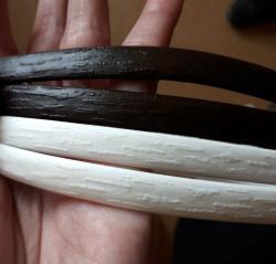 """Искусственный ротанг """"Полоса цвет черный 6-12 мм, тиснение кора дерева"""" 2 бухты"""